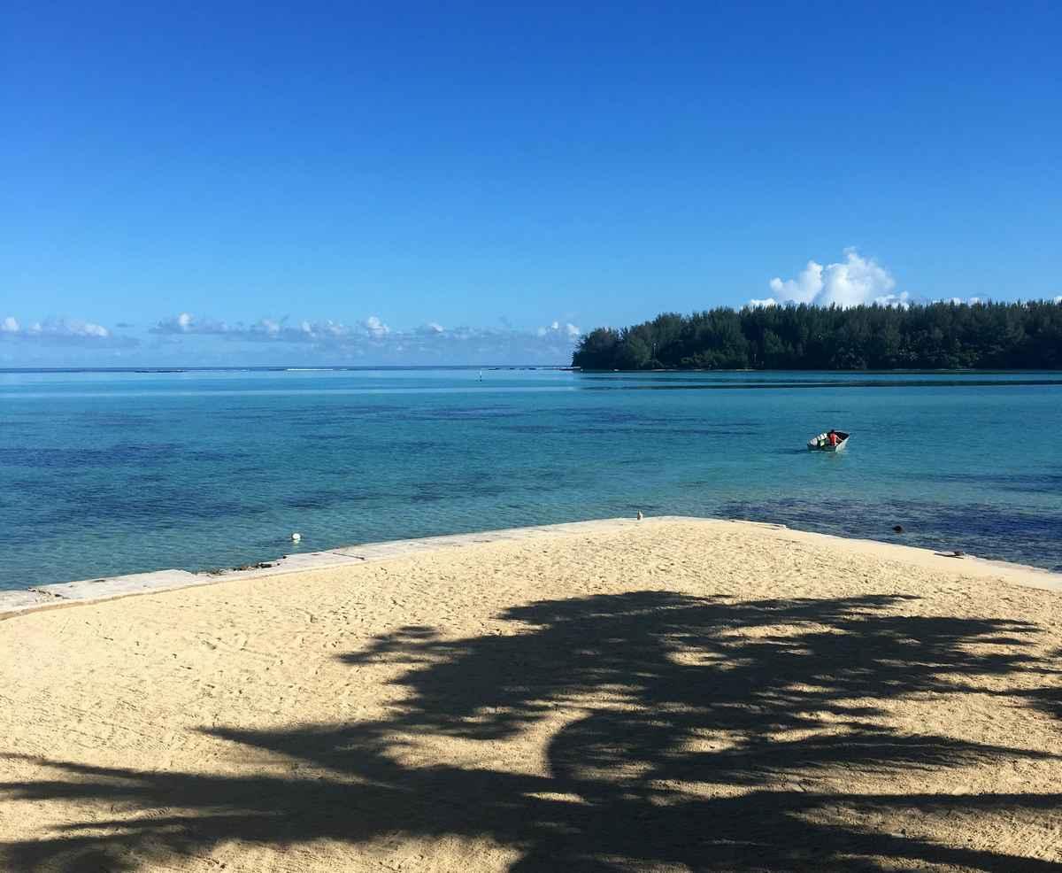 la lagon à Haura en face de l'hôtel Hibiscus à Moorea