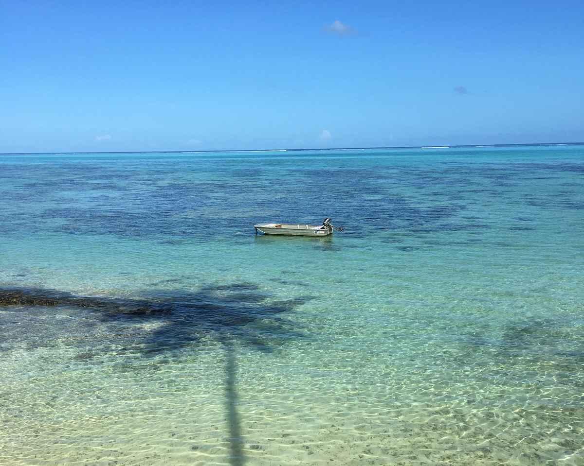 le lagon devant l'hôtel Hibiscus à Moorea en Polynésie
